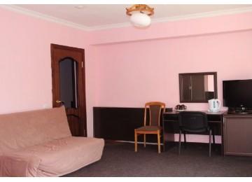 Полулюкс 1-комн. 2-х мест. (7 этаж) |ОК «Домбай »| Номера и цены