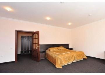 Люкс 2-комн. 2-х мест. (6 этаж)  |ОК «Домбай »| Номера и цены